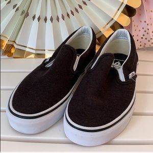 Van Classic Slip on Sneakers 👟